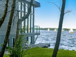 villa aan het water Groningen